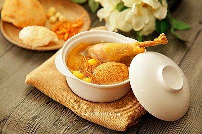 金黄猴菇虫草老鸡汤