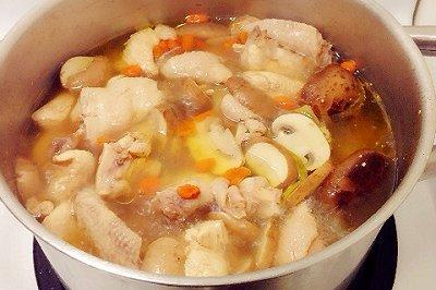 枸杞香菇鸡汤