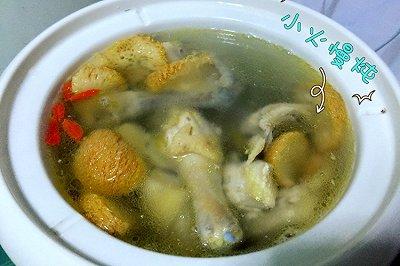猴头菇枸杞参鸡汤