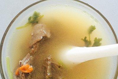 红参鸽子汤