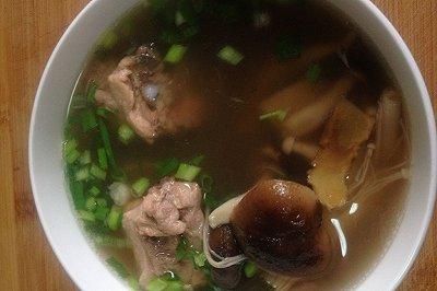 养生排骨牛肉杂菌汤
