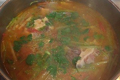 鲜蔬牛尾汤