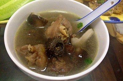 海参香菇鸡汤