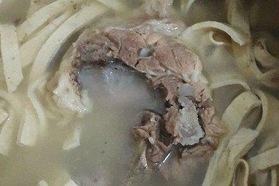 大骨冬笋厚百叶咸肉汤