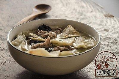 营养老鸭笋干汤