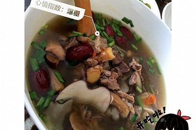鸽子花胶螺肉椰子汤