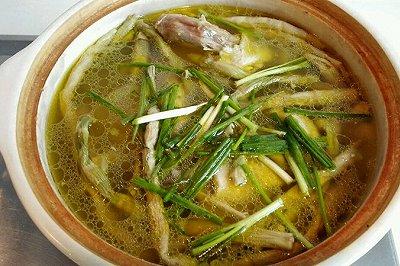 扁尖农家土鸡汤