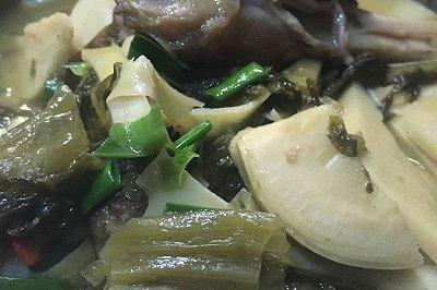 冬笋酸菜炖骨头