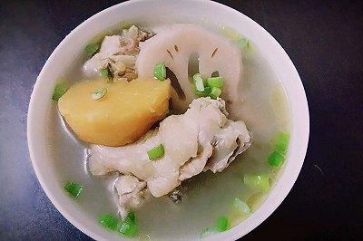 宝宝版红薯莲藕鸡汤