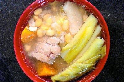 红萝卜猪骨润汤