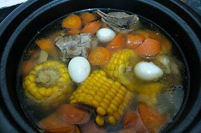 猪骨胡萝卜玉米汤