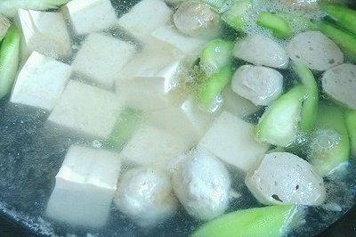 丝瓜豆腐肉丸汤