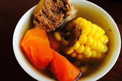 红萝卜粟米猪骨汤
