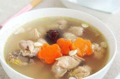 红枣杏仁煲鸡汤