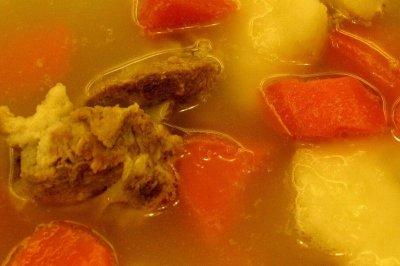 红萝卜猪仔薯排骨汤