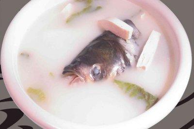 最简洁的鱼头豆腐汤