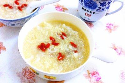 银耳小米粥