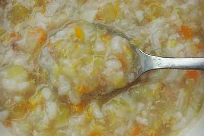 宝宝辅食:猪肝蔬菜粥