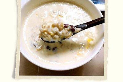 奶香鸡蛋燕麦红豆粥