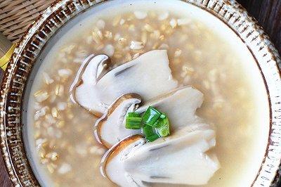 姬松茸鸡汤莜麦粒粥