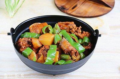 香辣土豆炖鸡