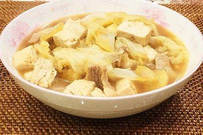 大白菜五花肉炖豆腐