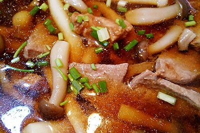 好鲜好鲜的小蘑菇肉片
