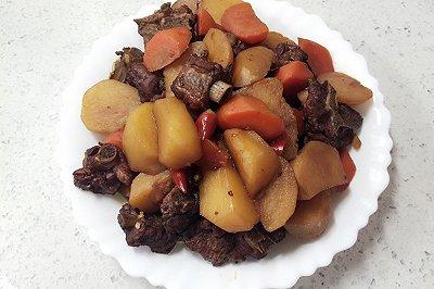 胡萝卜土豆炖排骨
