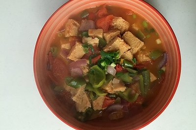 西红柿炖冻豆腐