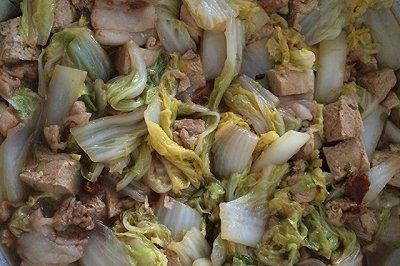 最简单家常白菜炖冻豆