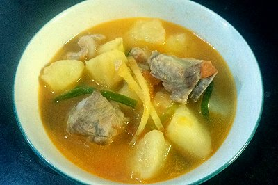 番茄土豆排骨汤