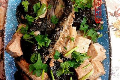 香菇豆腐炖鱼块