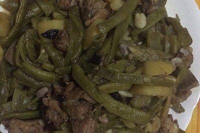 东北排骨土豆炖豆角