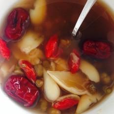 绿豆百合红枣枸杞汤